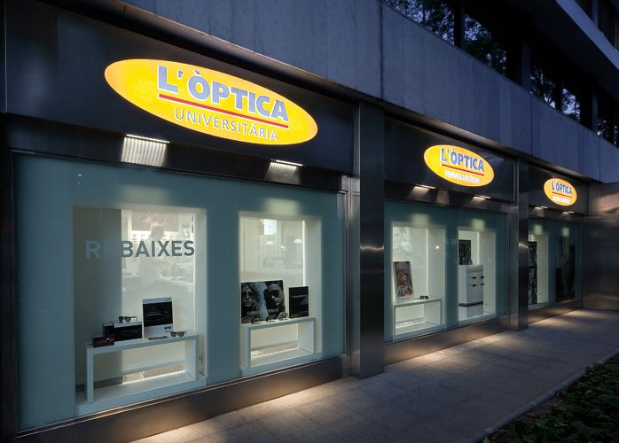 University optical shop sagitario lighting lighting solution grazing light effect using recessed linear powerled fixtures installed outdoor on the top mozeypictures Image collections