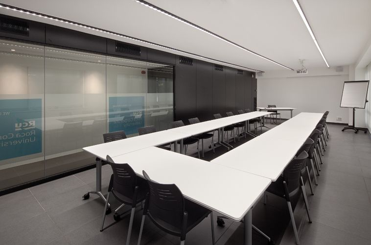 ROCA - Training rooms - Sagitario Lighting